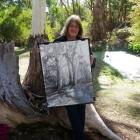 Amanda-with-finished-painting