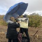 Extreme-painting-at-Skillogalee-Winery